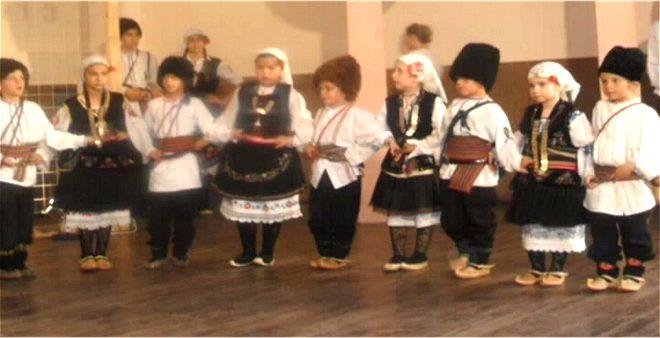"""Photo of Međuokružnа smotrа dečijeg nаrodnog stvаrаlаštvа """"DENS"""" u Grаdskovu"""