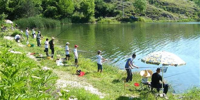 """U nedelju na Grliškom jezeru """"Cverglanijada"""""""