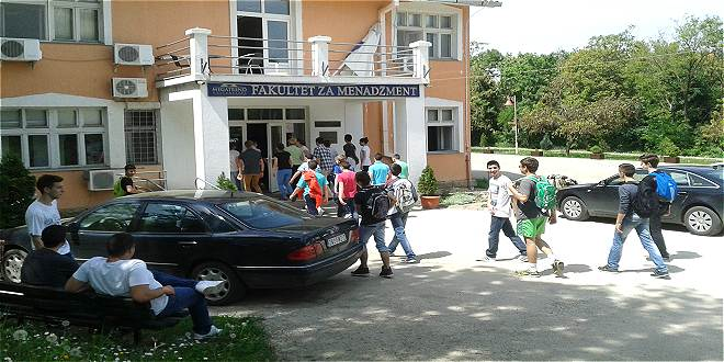 "Photo of ""Dani otvorenih vrata"" na Fakultetu za menadžment 15. maja"