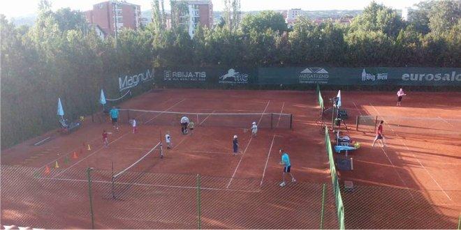 Photo of Tenis: Euroklub vrši upis polaznika – mesec dana treninga besplatno