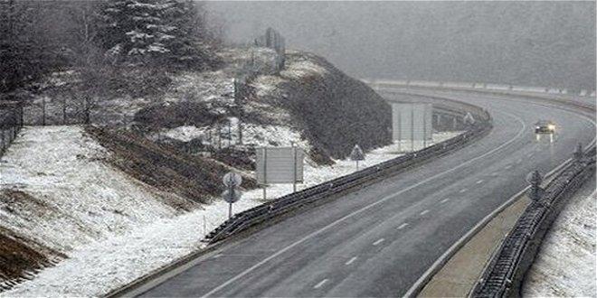 Vozači, oprez: POLEDICA preko planinskih prevoja i u višim predelima timočke i negotinske krajine