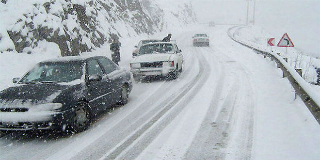 U istočnoj Srbiji saobraćaj otežan zbog snega i vetra -Nanosi i do 2 metra