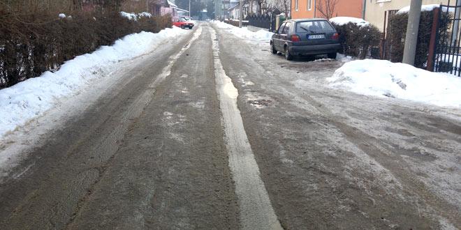 Preduzeće za puteve apeluje na građane da danas od 13 sati ne parkiraju automobile u pojedinim ulicama II prioriteta