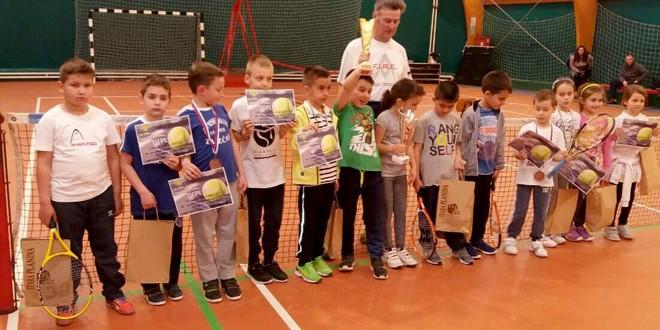 Teniski turnir u Knjaževcu: Treće mesto za zaječarske tenisere -Uroša i Veljka!
