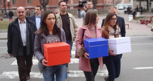 """Lista broj 1 na lokalnim izborima u Zaječaru: Aleksandar Vučić """"Brže, jače, bolje"""""""