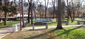 Sokobanja: Uhapšen mladić koji je u gradskom parku prišao ženi s leđa i oteo telefon