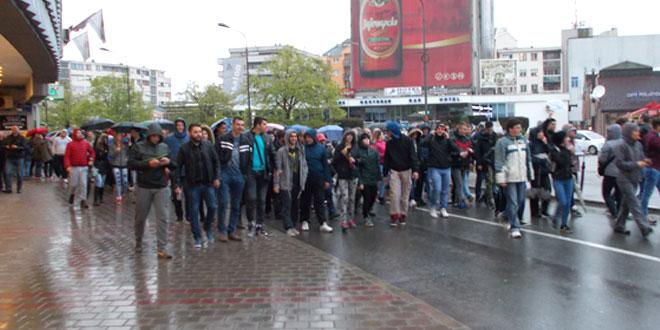 Protestima širom Srbije pridružili se i Zaječarci -Šetnja uz pištaljke i transparente