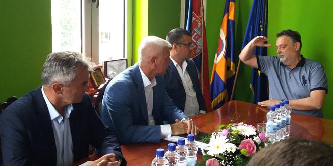 Ministar Nedimović u Zaječaru: Ove godine mnogo je više sredstava izdvojeno za mehanizaciju, za traktore, za skladišne kapacitete…Gledaćemo da pomognemo Agenciji za ruralni razvoj