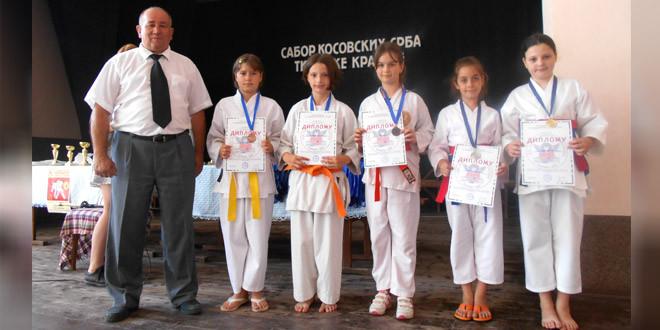 "Vidovdanski karate turnir ""Zvezdan 2017″ održan minulog vikenda u Zvezdanu!"