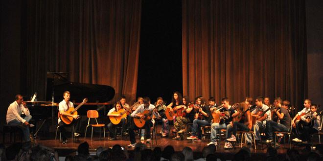 Koncert polaznika škole gitare u Boru
