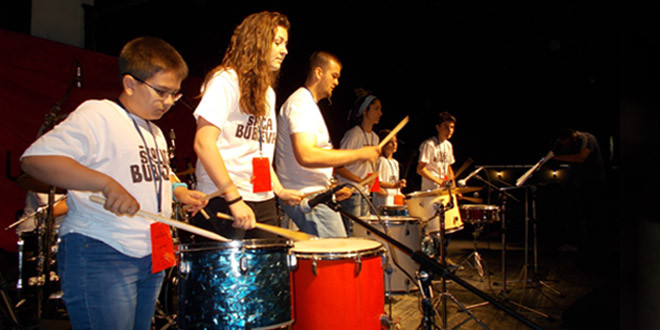 """Leskovac u ritmu bubnjeva: MLADI BUBNJARI """"DEČIJEG CENTRA"""" PREDSTAVILI ZAJEČAR I ISTOČNU SRBIJU  (VIDEO, FOTO)"""
