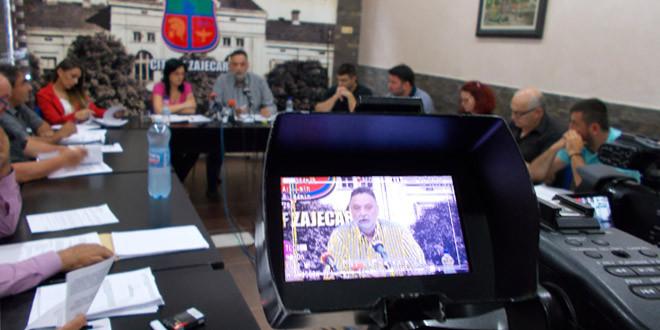Na sednici Gradskog veća u Zaječaru razmatran šestomesečni izveštaj o izvršenju budžeta za 2017, imenovan stručni tim za davanje koncesije za linijski prevoz putnika…