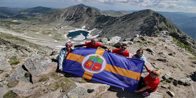 Zastava grada Zaječara zavijorila se na vrhu Balkana!