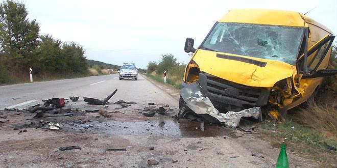 Dve žrtve saobraćajne nesreće kod Grljana -SUVOZAČ PODLEGAO POVREDAMA
