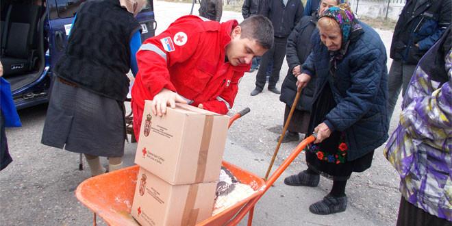 Najugroženiji meštani Gradskova dobili pomoć Crvenog krsta