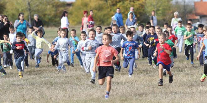 Kros RTS-a u Zaječaru: Kroz cilj prošlo 2059 učesnika -Pobednici seniorskih trka Novopazarka i Kenijac