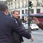 ONO KAD NALETIŠ NA ZEMLJAKA, PA JOŠ PREDSEDNIKA: Kamiondžija iz Bora napravio pometnju na pariskom trgu