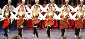 """Završni koncert narodnih igara i pesama CTU """"Koreni"""" u zaječarskom pozorištu"""