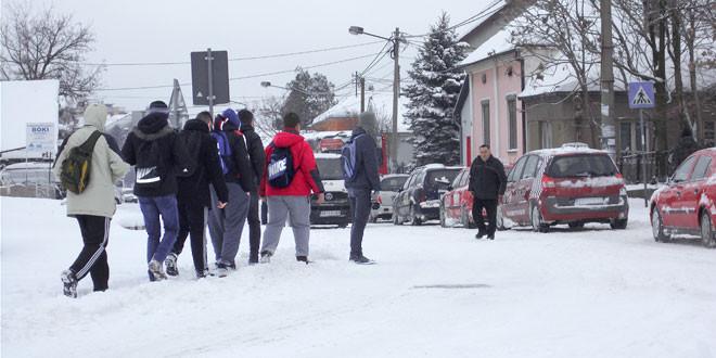 ZIMA SE NE PREDAJE: Ledeni petak u Srbiji, u Zaječaru najviša dnevna -2 stepena