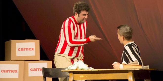 """Glumci predstave """"Nisam lud da umrem gladan"""" osvojili srca zaječarske publike"""