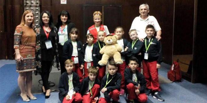 """Ekipa zaječarskih """"Petlića"""" na kongresu u Vrnjačkoj banji pokazala znanje i veštine u pružanju prve pomoći"""