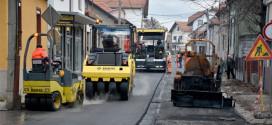 NAPOKON: Posle pola veka nov asfalt u Crnorečkoj ulici