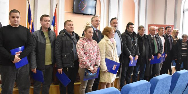 Uručeni ugovori u okviru Lokalnog akcionog plana zapošljavanja -Ničić: očekujemo da 2019. bude godina u kojoj će se u Zaječaru otvoriti popriličan broj radnih mesta i da ćemo 2020. doći u situaciju da nemamo one koje treba subvencionisati