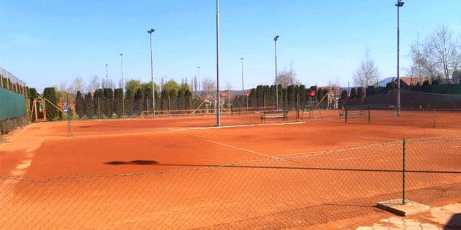 Tenis: Otvoreno prvenstvo za takmičare do 10 godina na Popovoj plaži