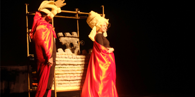 """BAJKA ODUŠEVILA NAJMLAĐE: Na dečijem pozorišnom festivalu izvedena predstava """"Princeza na zrnu graška"""""""