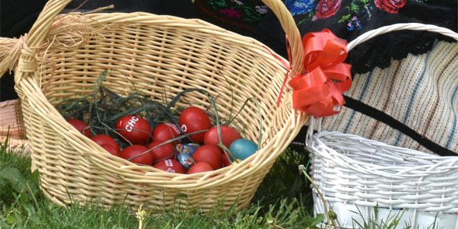 Zaječarski SNS delio uskršnja jaja