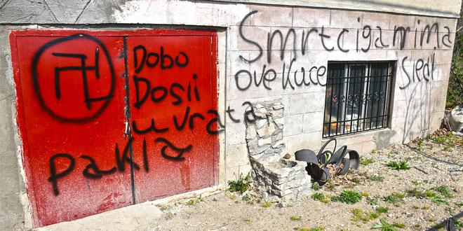 """Na kući zaječarske romske porodice ispisan natpis """"SMRT CIGANIMA OVE KUĆE, DOBRO DOŠLI U VRATA PAKLA"""" -Jovanović: Bojim se za svoj život"""