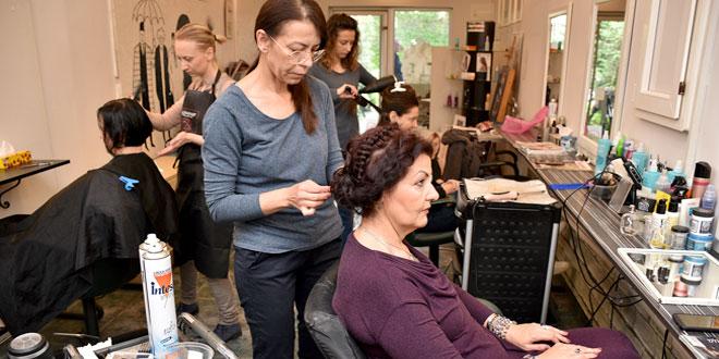 """Zaječar: Počela manifestacija """"Muzeji za 10″ -Otvorena kamerna izložba """"Ženska kosa kao umetnički izraz, vremeplov"""""""