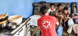 Posetili smo osmočlanu porodicu u Vrbici: Osnovnih potrepština nema, a hrana stiže iz narodnog kazana