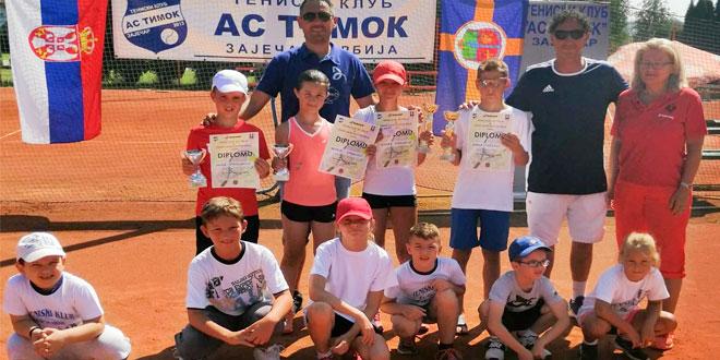 Uspešno završen još jedan tenisku turnir na Popovoj plaži u Zaječaru -Evo i rezultata