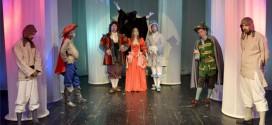 """Predstava za decu """"Mačak u čizmama"""" u zaječarskom pozorištu"""