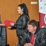 gradonacelnik-bora-urucuje-priznanje