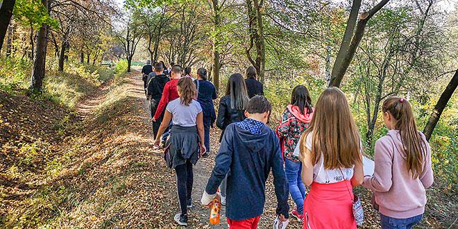 Mladi gorani učili o pošumljavanju, značaju šuma, vrsti drveća