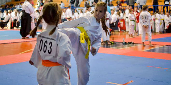 "Karatisti zaječarskog kluba ""Tenshi"" briljirali na Prvenstvu Srbije u Fudokan karateu"