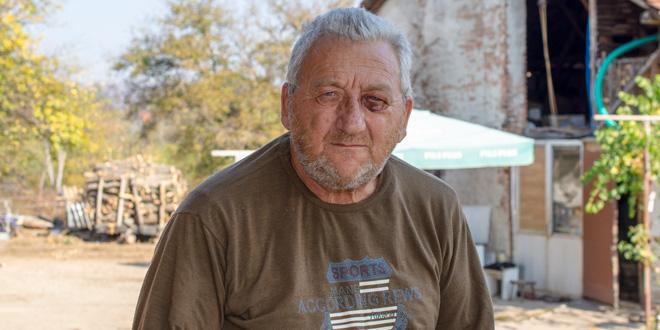 Vitomir Krstić iz Gamzigrada pretučen u svom dvorištu: ŠUTIRALI SU ME KAO LOPTU