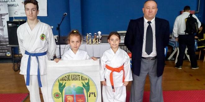 """Karatisti Gradskog kluba """"Zaječar"""" izvanredni i na Međunarodnom turniru u Leskovcu"""