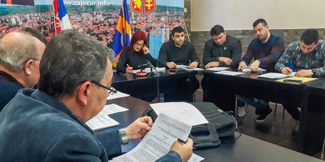 Gradski većnici odlučivali o eksternoj reviziji, taksi prevozu, dodeli seoskih kuća