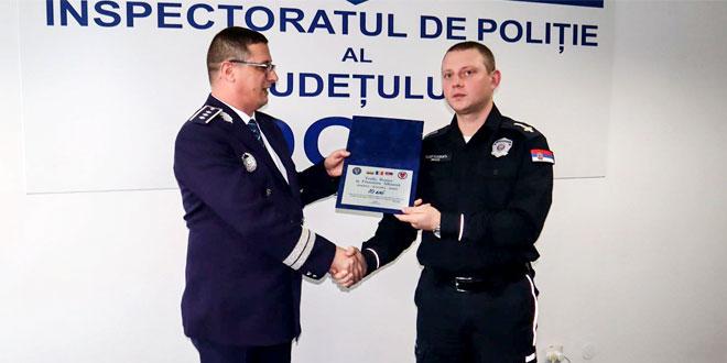 """Policijski službenici PU Zaječar na prezentaciji projekta """"Saobraćaj na plavoj granici"""""""