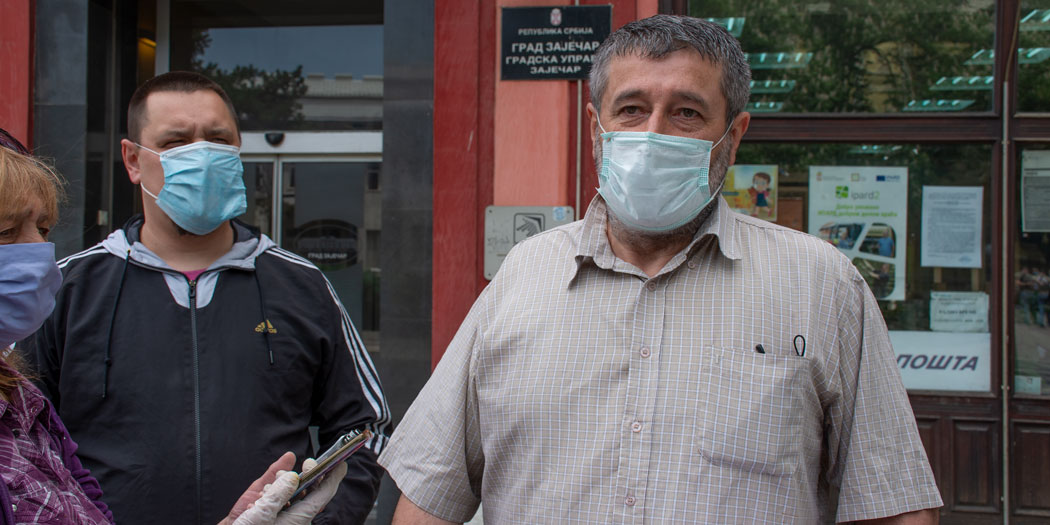 Photo of Dveri u Zaječaru pružaju podršku Bošku Obradoviću i Ivanu Kostiću
