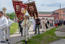 Photo of Kotlujevac proslavlja Spasovdan: SVETA LITURGIJA I LITIJA POVODOM SLAVE (FOTO)